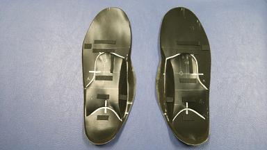 完成したオーダーメードインソール(入谷式足底板)の裏面